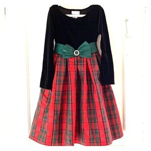 Girls size 6x holiday dress